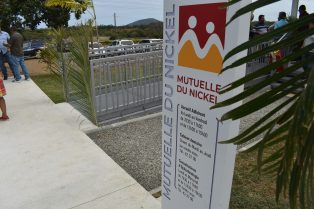 Inauguration du cabinet de soins de la Mutuelle du Nickel à la Foa