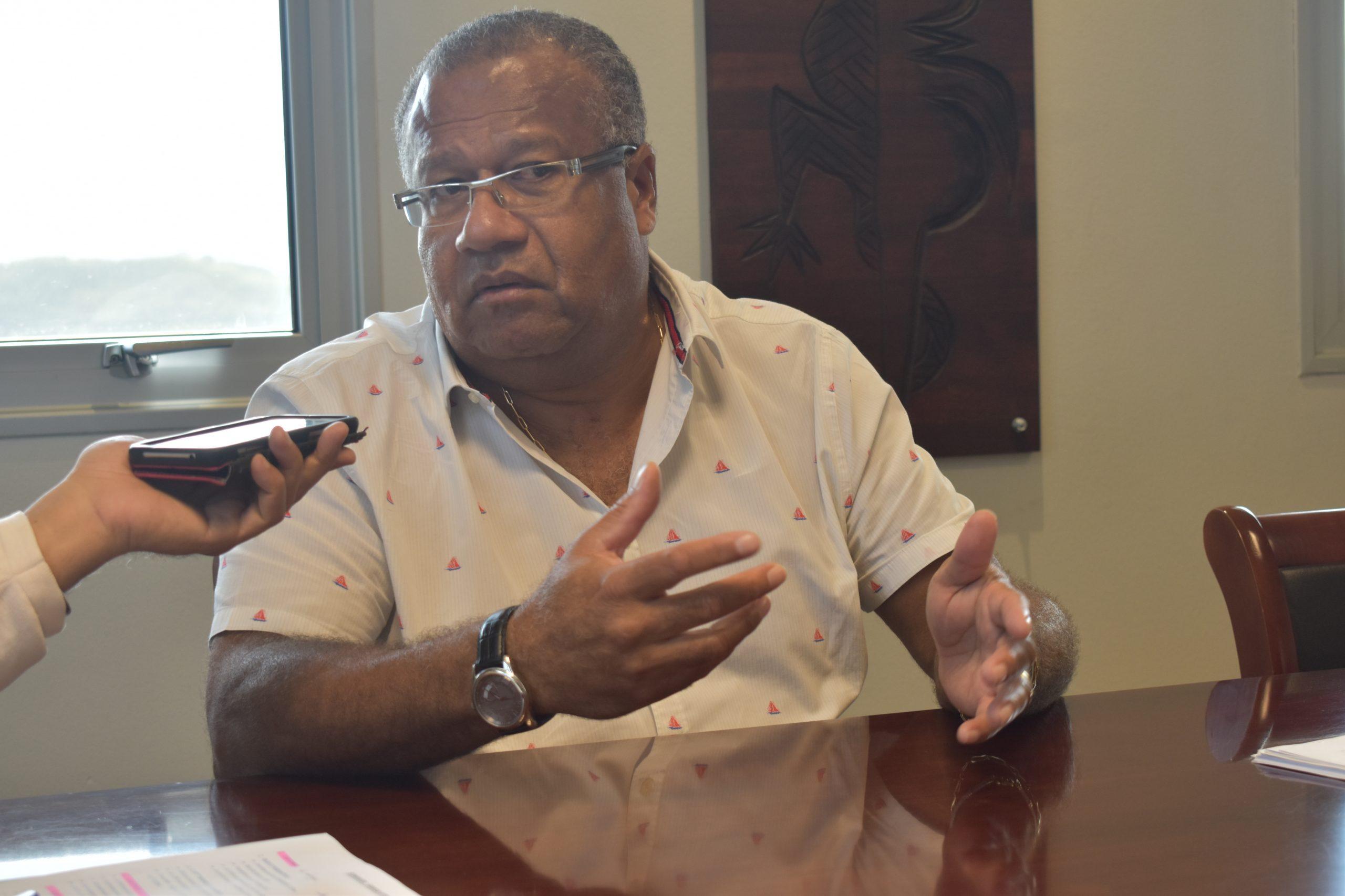 «Le variant DELTA aux portes de la Calédonie. Comment continuer à maintenir l'activité économique Calédonienne ? » : Milo POANIEWA dans « Questions Pays » sur NC1ère Radio