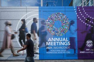 « Il est temps que la Banque Mondiale et le FMI embrassent le plein emploi décent » : extrait du bulletin d'information de la Confédération Syndicale Internationale en date d'octobre 2021